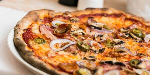 Pizza podľa vlastného výberu + hodina bowlingu