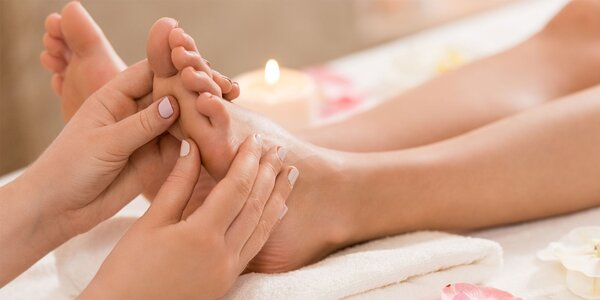 Reflexné masáže chodidiel či SPA pedikúra