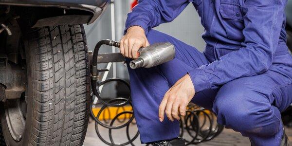 Prezutie pneumatík alebo prehodenie kolies