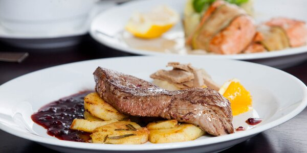 Dajte si grilovaného lososa či jelení steak