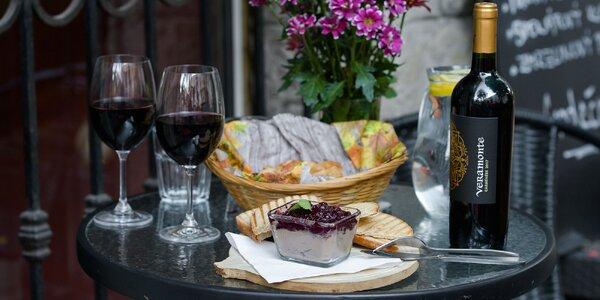 Kačacia paštéta či fľaša vína s pagáčmi