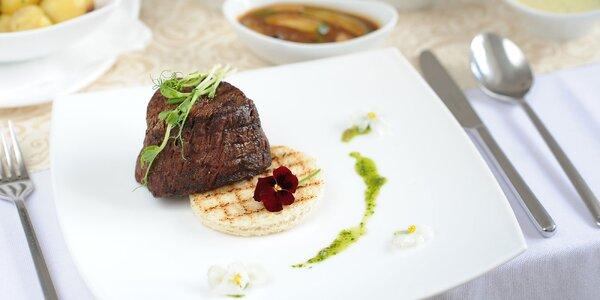 Steaky z hovädzej sviečkovice a lososa v hoteli Agátka