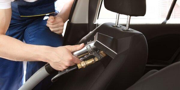 Poctivé vyčistenie interiéru osobného auta