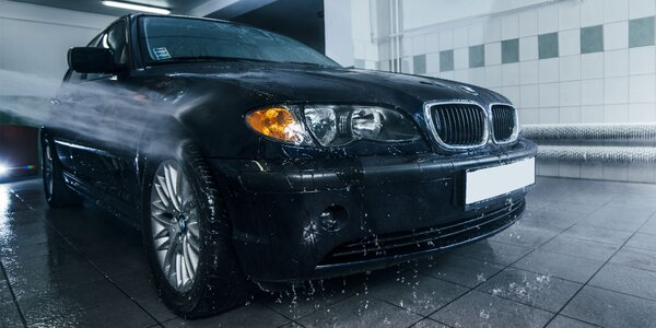 Efektívne čistenie exteriéru, interiéru a tepovanie áut