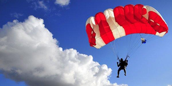 Sólo zoskok z výšky 1200 metrov