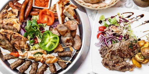 Šťavnatý Rib Eye steak alebo grill mix tanier
