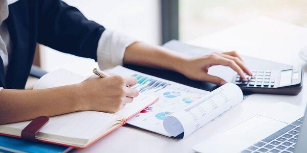 Mesačné alebo ročné spracovanie účtovníctva