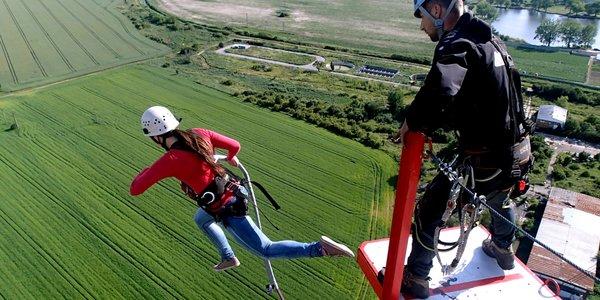 Tandemový zoskok zo 110 metrovej veže ACTION TOWER pre 2 osoby