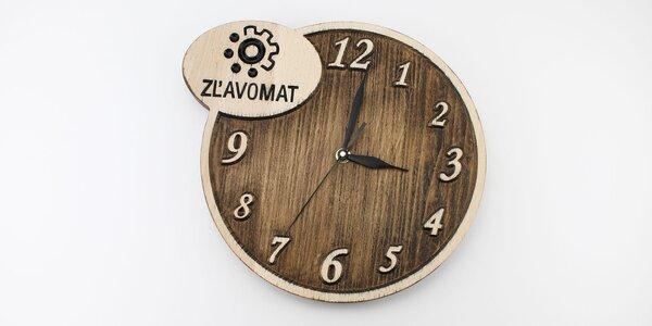 Drevené vyrezávané hodiny s vlastným motívom