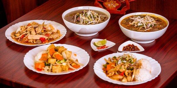 Vietnamské jedlo v street food bistre COM BUI na Miletičke