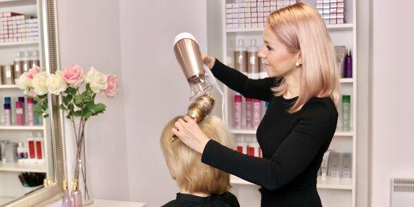 Dámsky strih a regenerácia vlasov kozmetikou Schwarzkopf professional