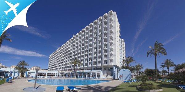 Dovolenka v Španielsku v hoteli priamo na pláži s vonkajším bazénom