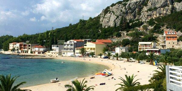 Dovolenka v letovisku Klek: ubytovanie priamo pri pláži, dieťa do 11,99 rokov zdarma