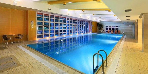 4 * pobyt v krásnej Prahe: voľný vstup do bazéna, sauny aj posilňovne