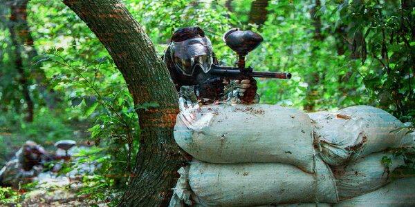 Vyskúšajte paintball priamo v lese