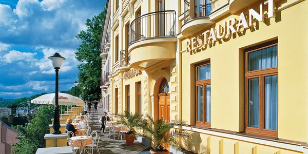 Oddych v Karlových Varoch: 4* hotel, polpenzia a vstup do wellness