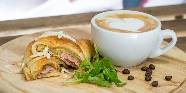 Káva + croissant, kaiserka či wrap Lavaš