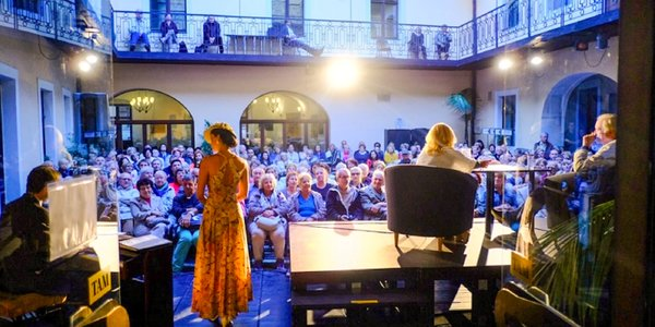 Vstupenka na divadelné predstavenie v Zichyho paláci