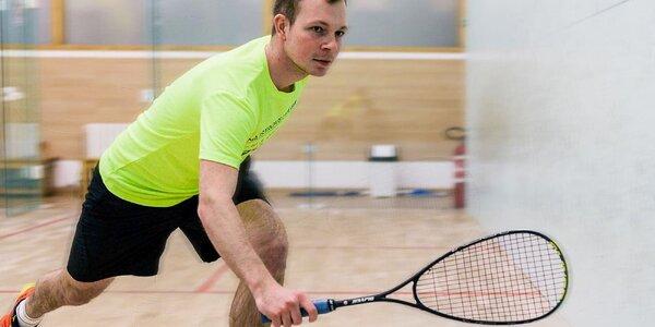 Zahrajte si squash na profesionálnych kurtoch
