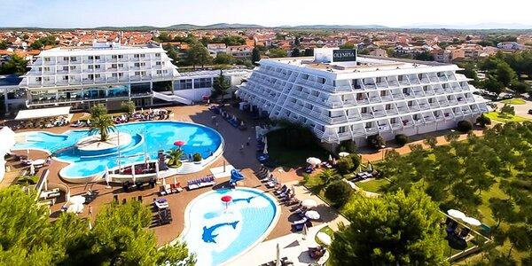 Pobyt v chorvátskych Vodiciach 50 m od pláže: polpenzia, bazény