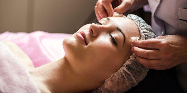 Účinná kozmetická masáž alebo čistenie pleti