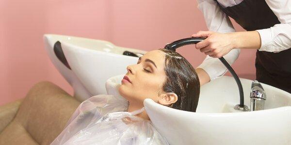 Strih, farbenie či darčekový poukaz pre krásu vlasov