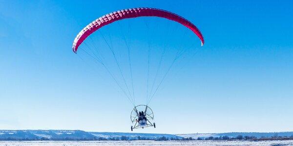 Nezabudnuteľný zimný tandem motorový paragliding aj s videozáznamom