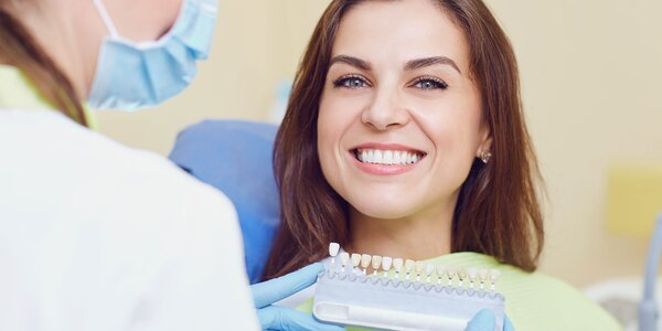 Laserové bielenie zubov bez peroxidu