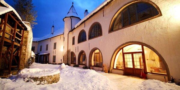 Kráľovský romantický pobyt s wellness v hradnom Chateau GrandCastle****