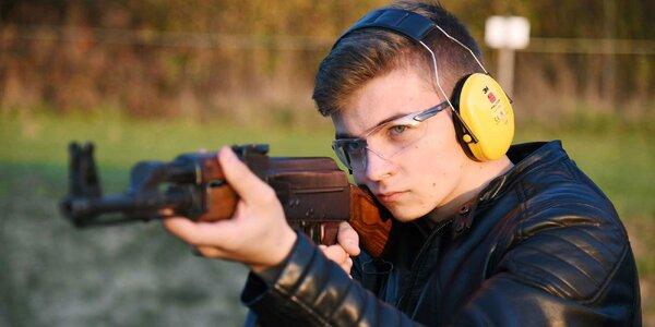 Otestujte svoju mušku na outdoorovej strelnici