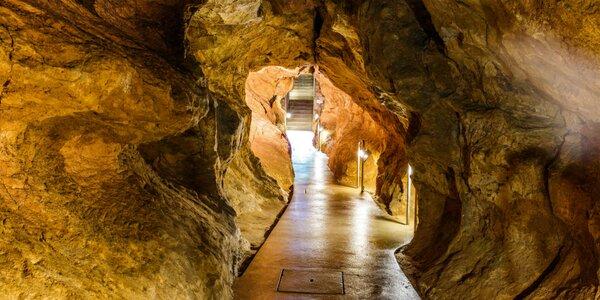 Výlet za podzemnými zákutiami Budapešti - jaskyne aj Citadella