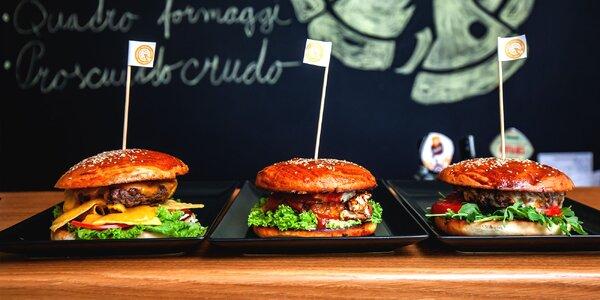 Nadupané burgery s hranolčekmi a omáčkou