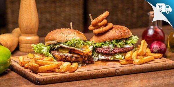 Dva druhy burgerov s belgickými hranolčekmi