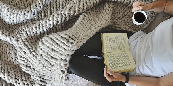 XXL hrejivá deka pletená z extra pevnej priadze