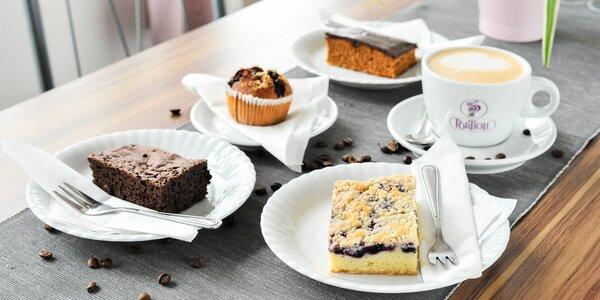 Horúca čokoláda alebo káva/čaj + koláčik