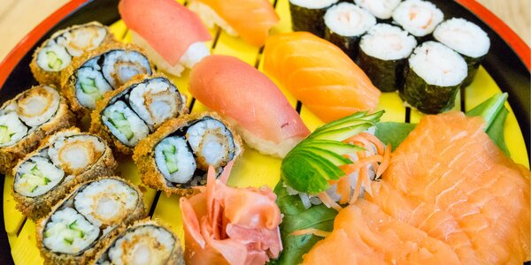 Lákavé sushi sety: nigiri, maki, sashimi aj roll
