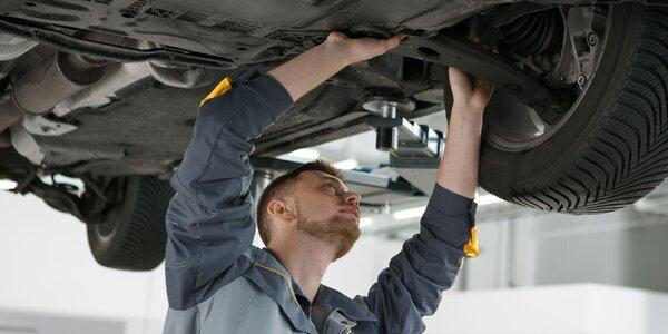 Kontrola vozidla, výmena oleja, či údržba klimatizácie