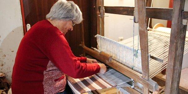 Cesta k tradíciám: Ako vyzerá ručné tkanie kobercov na krosnách?