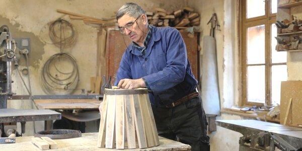 Cesta k tradíciám: Ako sa pán Ladislav ako jediný z 10 detí na výrobu sudov dal