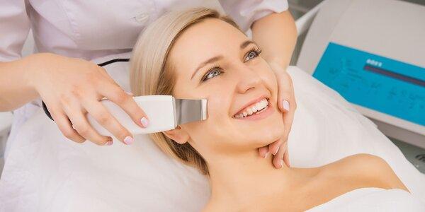 Hĺbkové čistenie pleti alebo masáž tváre a krku