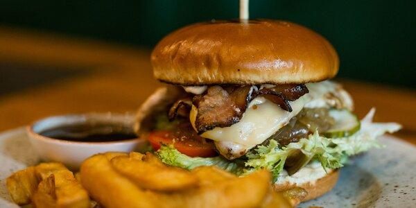 Irish burger či jalapeño burger + hranolčeky a omáčka