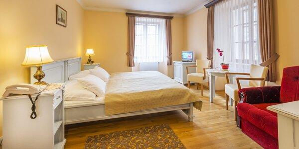 Historický hotel v centre Prahy: raňajky a plavba po Vltave