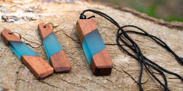 Ručne vyrábané unisex šperky z dreva a živice