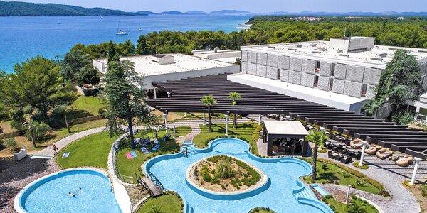 Leto v Šibeniku: hotel s bazénmi, raňajky aj wellness