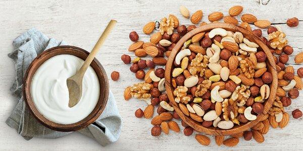 Ovocie alebo orechy obalené v jogurte