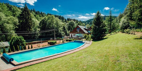 Leto v horskom prostredí Kysúc s bazénom a wellness