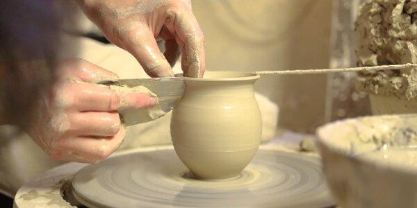 Cesta k tradíciám: Objavte krehké čaro výroby pravej slovenskej keramiky