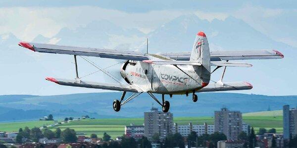 Neopísateľný výlet legendárnym dvojplošníkom ANTONOV AN-2 pre 1 až 12 osôb