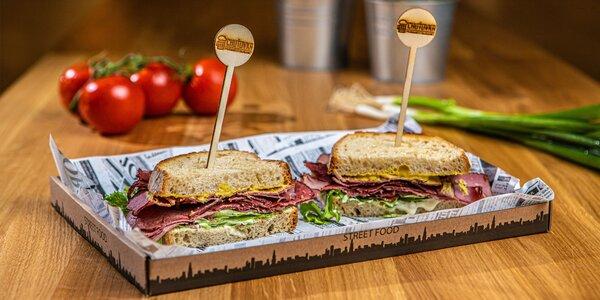Delikátny pastrami sendvič + čapovaný nápoj