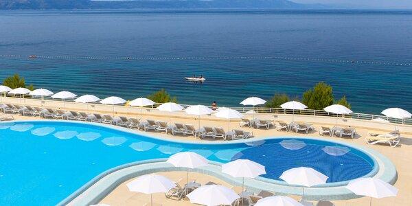 4* rezort: hotel pri mori, bazén a all inclusive